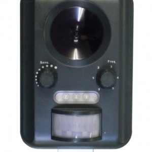 Selections GFA805 Solar Powered Battery Operated Ultrasonic Cat Repeller (Batteries Included)